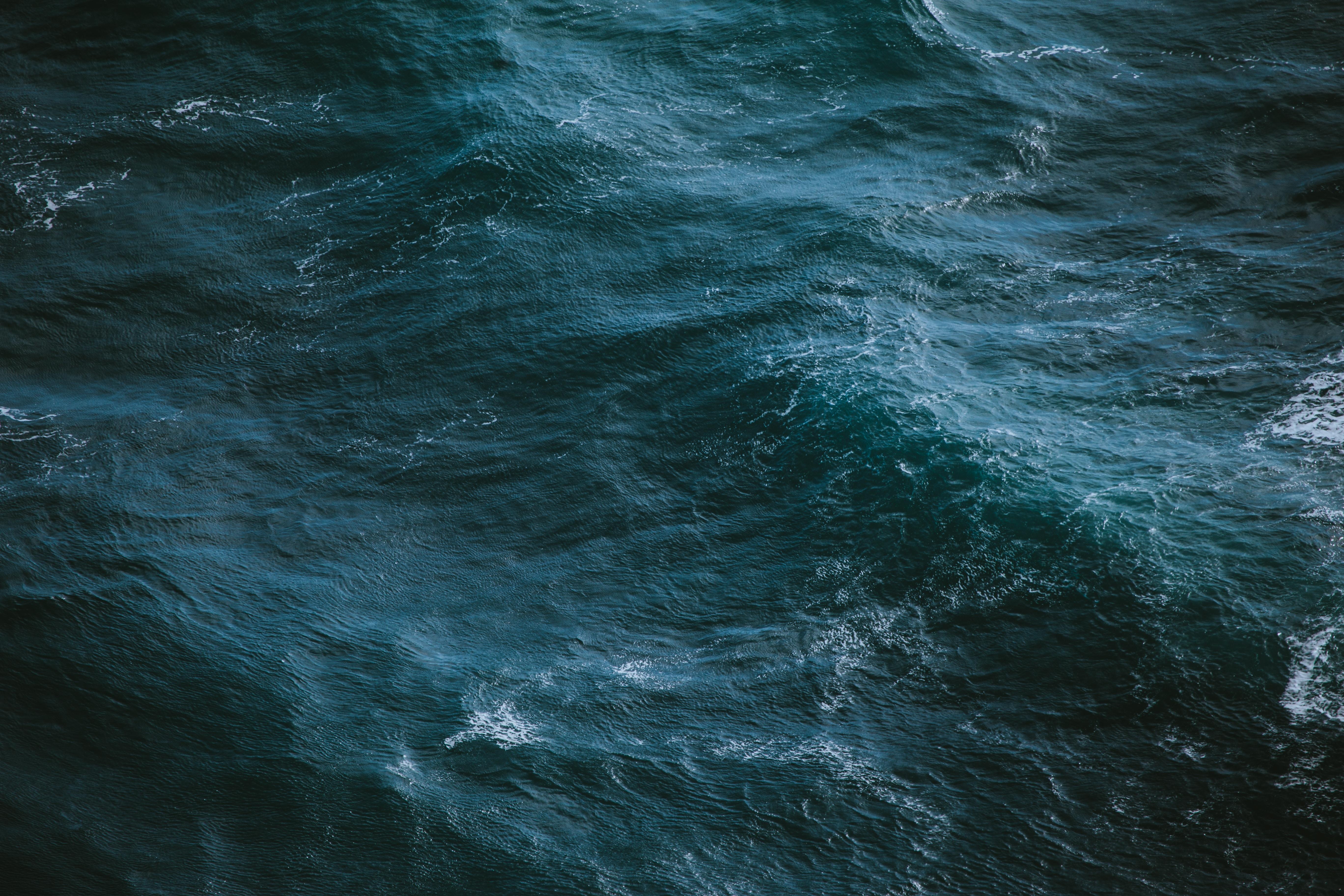 Nepper, Schlepper Kapitäne – Der Wahnsinn Um Die Seenotschlepper